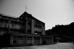 『大地の芸術祭 最後の教室 旧東川小学校』