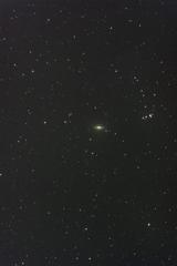 玄関ポーチで試写 《ソンブレロ銀河》