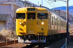 東へと向かう列車で♪