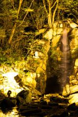 ライトアップ 滝