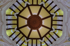 なぜか撮りたくなる有名な天井