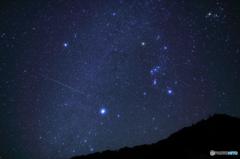 オリオン座と流星