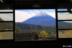 窓から観る富士