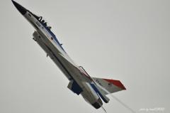 F-2戦闘機急上昇