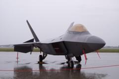 沖縄嘉手納基地転回中のステルス戦闘機F-22ラプター・・三沢基地