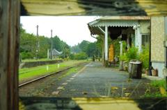 誰もいない小湊鉄道。。里見駅風景