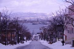 雪の函館。。有名な八幡坂・・