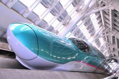 新青森駅からはやぶさに乗って・・・