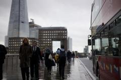 雨上がりのロンドン橋