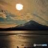 富士に彩雲