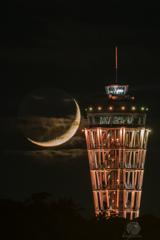 三日月と江の島シーキャンドル1