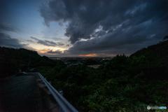 台風一過の空<3>