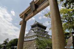 小倉城と鳥居
