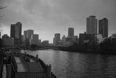 沈胴ズミクロンで撮る天満橋