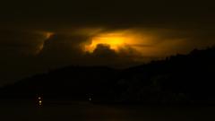 雷雲来たる