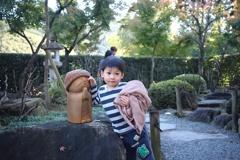 地蔵さんと子供。