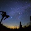 冬の星空と踊る