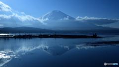 北極風の富士も暖冬かな。。
