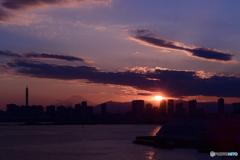 日没に炙り出る富士