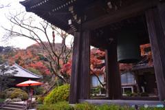 牧歌的な寺院