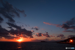 富士の両側で日没。。