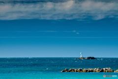 岩礁の灯台