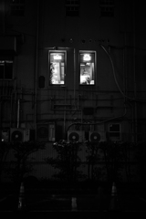 窓からの灯り