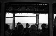 海が見える電車...