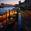 夕暮れ屋形船