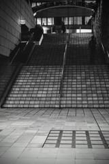 階段の人影