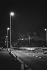 ひとけのない陸橋