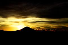 シルエット富士。