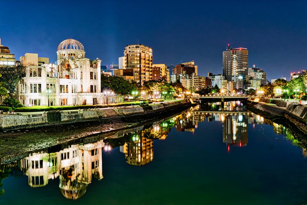 夜の原爆ドーム 河川よりの展望