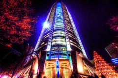 天にそびえたつ - 巨光の億の塔