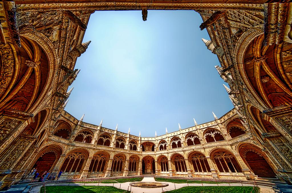 世界遺産 ジェロニモス修道院 中庭