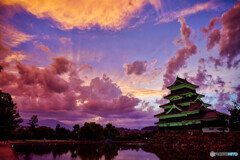 激情の空の松本城