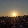 夕陽と街並み