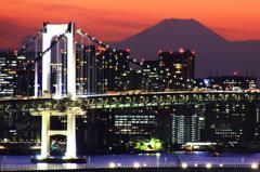 富士山とレインボーブリッジ 夕焼け