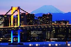 富士山とレインボーブリッジ 虹色