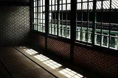 時代を経た窓