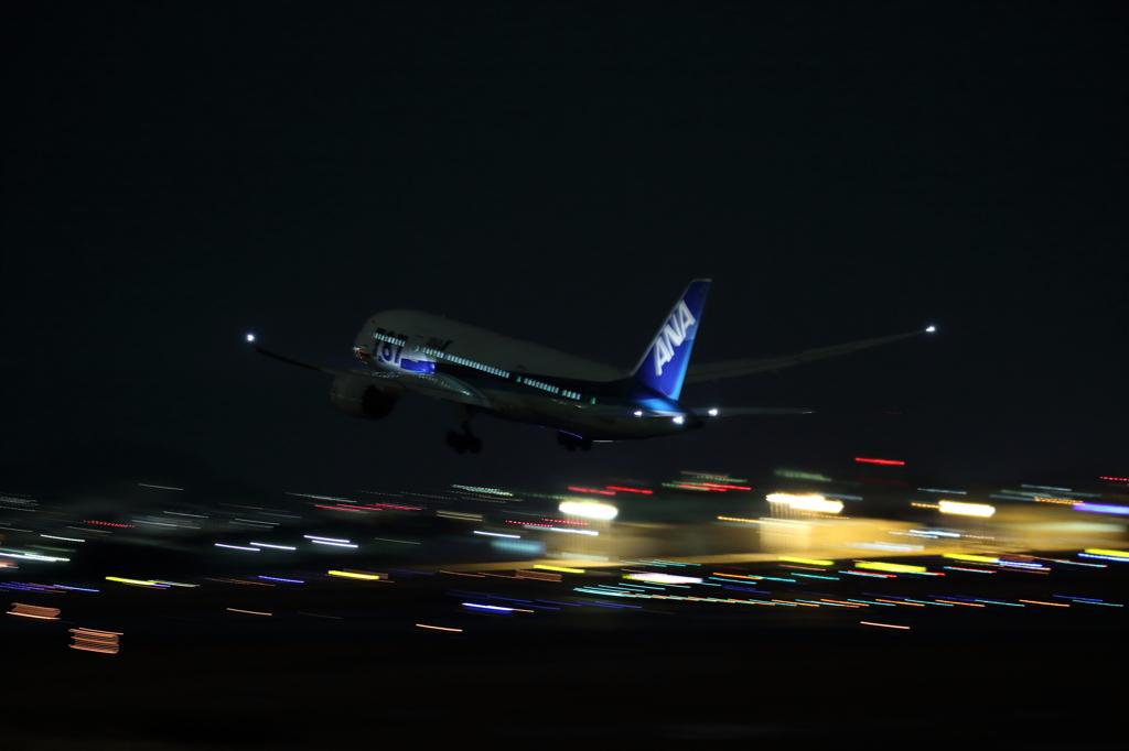 ようやくB787の夜撮ができました!