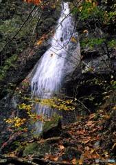 塩原秋景色「留春の滝錦秋」