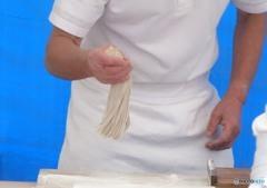 蕎麦を手繰る「払う」(6)