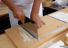 蕎麦を手繰る「切る」(5)