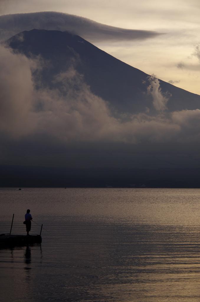 夕釣り山中湖
