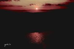 写真句:さざ波に夕陽