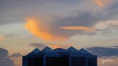写真エッセイ:ピラミッド群の日が暮れる:NTW289