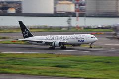 ANA[STAR ALLIANCE](JA614A)767-381ER@羽田