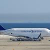 DREAMLIFTER(N780BA)747-400@セントレア5