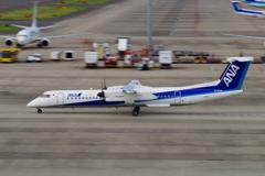 ANAウイングス(JA853A)ボンバルディア DHC-8-402Q-8